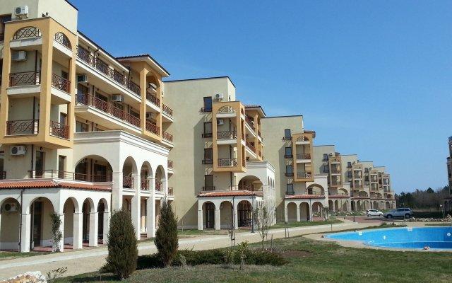 Апартаменты Lighthouse Apartments And Villas Балчик вид на фасад