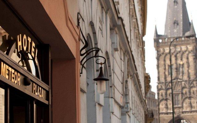Отель Best Western Plus Hotel Meteor Plaza Чехия, Прага - 6 отзывов об отеле, цены и фото номеров - забронировать отель Best Western Plus Hotel Meteor Plaza онлайн вид на фасад