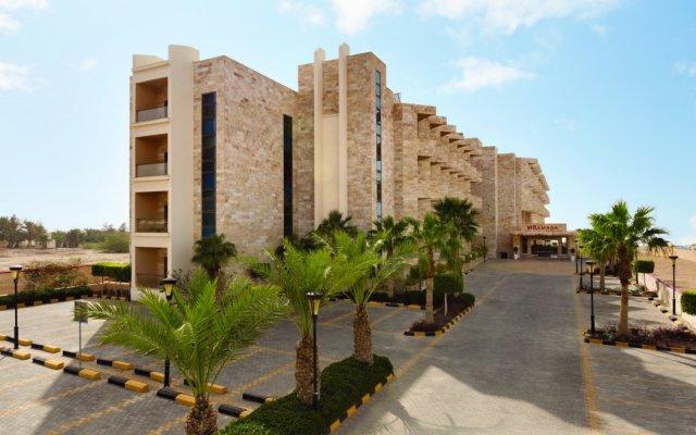 Отель Ramada Resort by Wyndham Dead Sea Иордания, Ма-Ин - 1 отзыв об отеле, цены и фото номеров - забронировать отель Ramada Resort by Wyndham Dead Sea онлайн вид на фасад