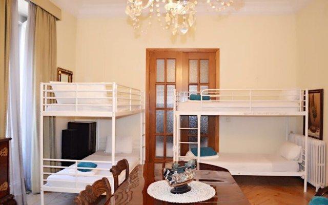 Отель Hostal Casa Tao Мадрид
