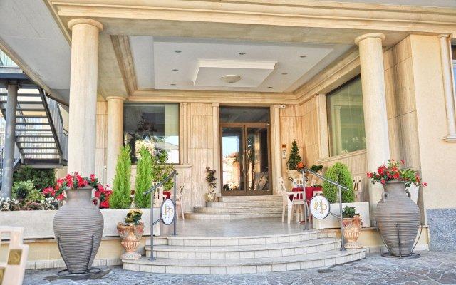 Hotel Dei Pini Фьюджи вид на фасад