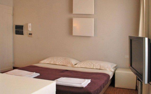 Отель Florent комната для гостей