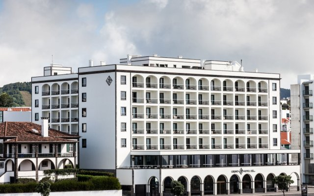Отель Grand Hotel Açores Atlântico Португалия, Понта-Делгада - 1 отзыв об отеле, цены и фото номеров - забронировать отель Grand Hotel Açores Atlântico онлайн вид на фасад