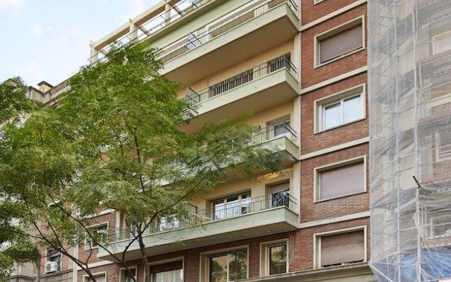 Отель Apartamentos Calvet Испания, Барселона - отзывы, цены и фото номеров - забронировать отель Apartamentos Calvet онлайн вид на фасад