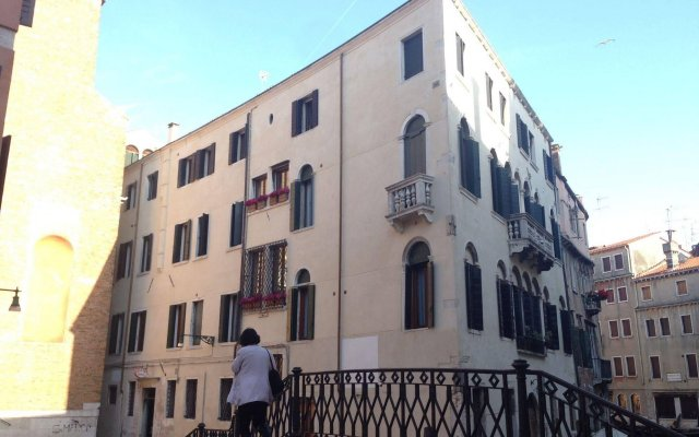 Отель Alla Fava Италия, Венеция - отзывы, цены и фото номеров - забронировать отель Alla Fava онлайн вид на фасад