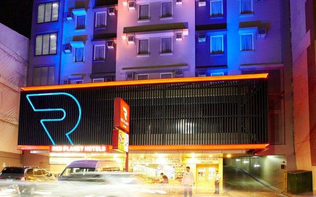 Отель Red Planet Manila Mabini Филиппины, Манила - 1 отзыв об отеле, цены и фото номеров - забронировать отель Red Planet Manila Mabini онлайн вид на фасад