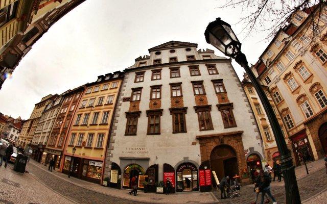 Hostel Homer Прага вид на фасад