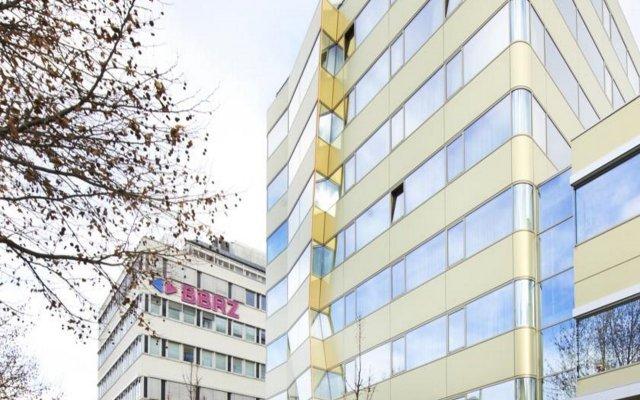 Отель SIMM'S Вена вид на фасад