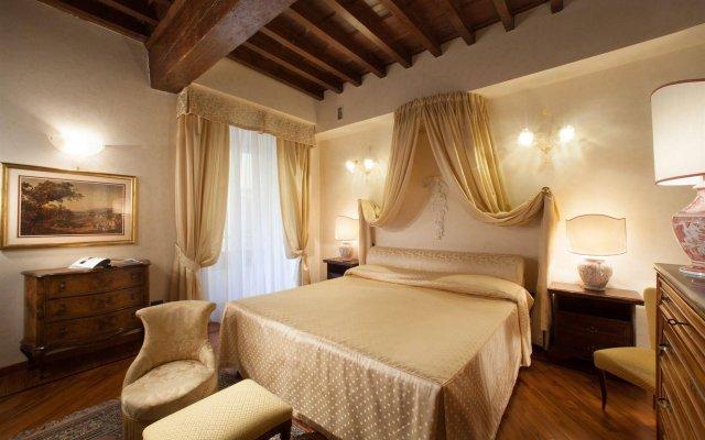 Hotel Tornabuoni Beacci комната для гостей