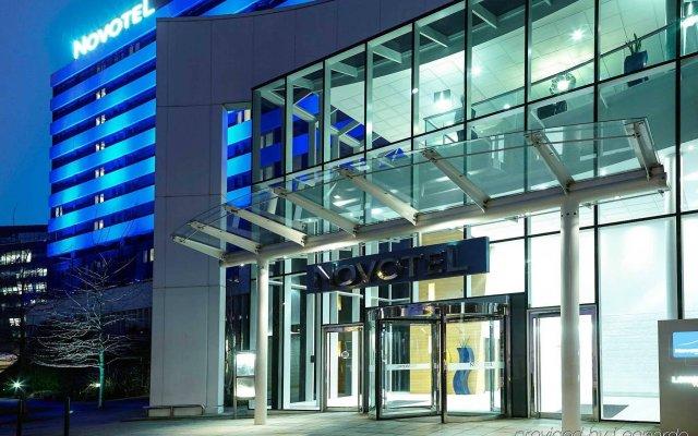 Отель Novotel London West вид на фасад