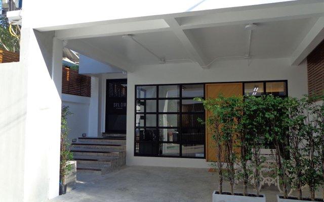 Отель Silom Studios Бангкок вид на фасад