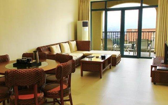 Апартаменты Tujia Sweetome Vacation Apartment Yalong Bay комната для гостей