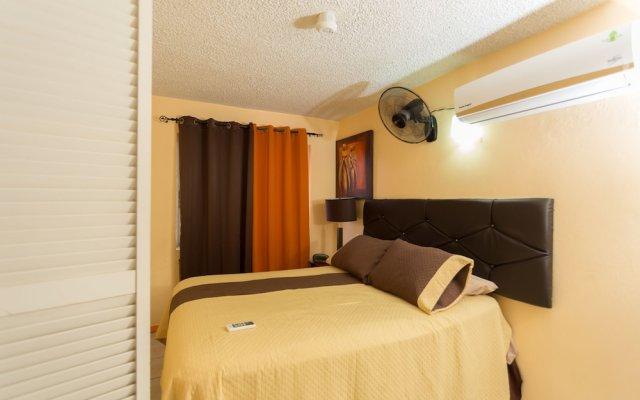 Апартаменты New Kingston C A Guest Apartments I комната для гостей