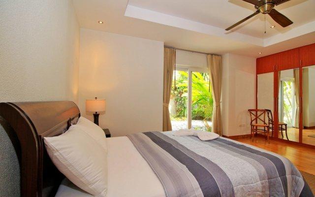 Отель Pattaya Sunset Villa 4 Bedroom Sleeps 8 комната для гостей