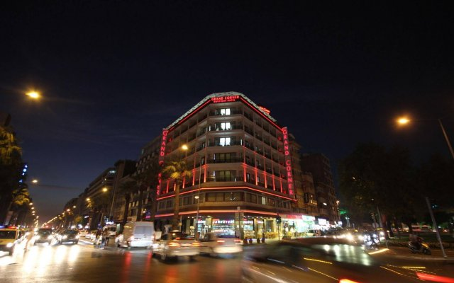Grand Corner Boutique Hotel вид на фасад