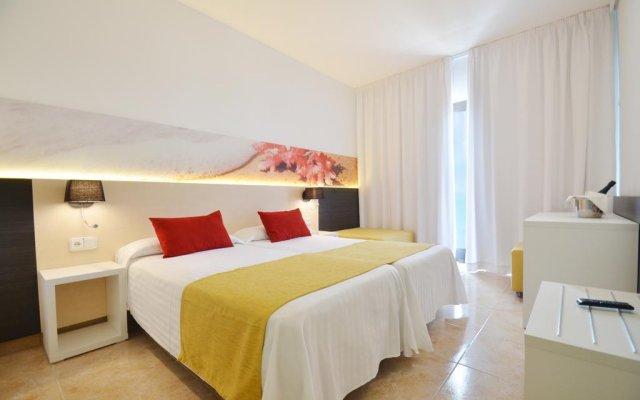 Отель azuLine Hotel Bergantín Испания, Сан-Антони-де-Портмань - отзывы, цены и фото номеров - забронировать отель azuLine Hotel Bergantín онлайн вид на фасад