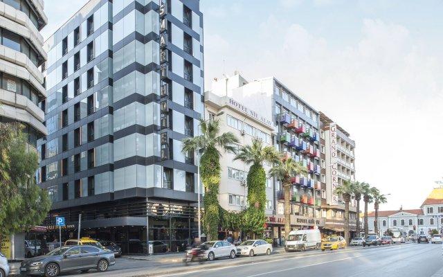 Smart Hotel Izmir вид на фасад