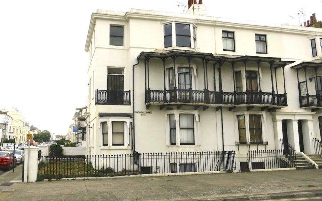 Отель Brighton Getaways-Beach View вид на фасад