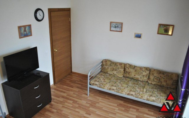 Апартаменты Вавилон трехкомнатные апартаменты на Советской 44 Екатеринбург комната для гостей