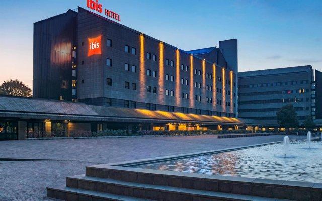 Отель Ibis Milano Ca Granda Италия, Милан - 13 отзывов об отеле, цены и фото номеров - забронировать отель Ibis Milano Ca Granda онлайн вид на фасад