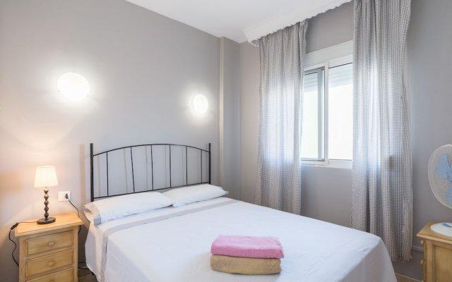 Отель MalagaSuite Beach Relax & Terrace Торремолинос комната для гостей
