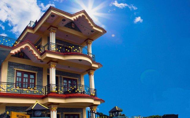 Отель Aroma Tourist Hostel Непал, Покхара - отзывы, цены и фото номеров - забронировать отель Aroma Tourist Hostel онлайн вид на фасад