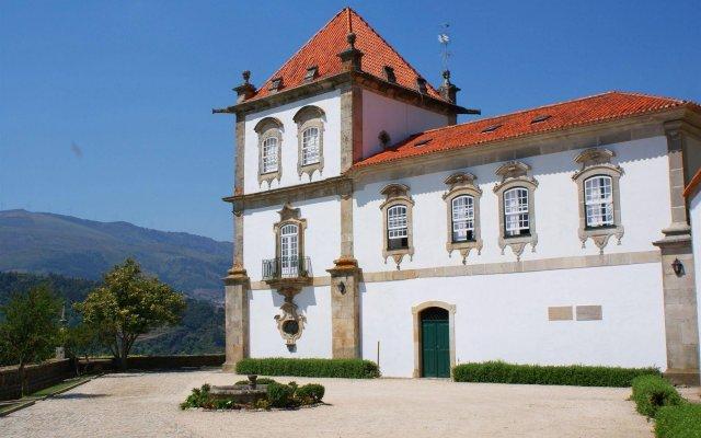 Отель Casa das Torres de Oliveira Португалия, Мезан-Фриу - отзывы, цены и фото номеров - забронировать отель Casa das Torres de Oliveira онлайн вид на фасад