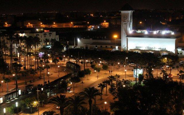 Hotel Al Walid вид на фасад