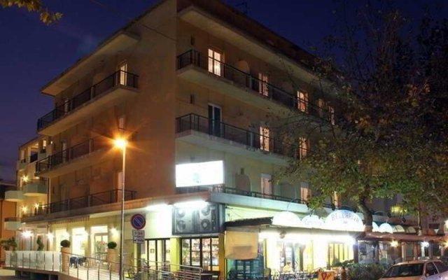 Hotel Globus вид на фасад