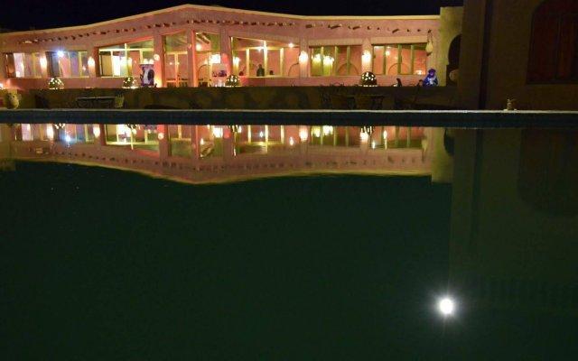 Отель Palmeras y Dunas Марокко, Мерзуга - отзывы, цены и фото номеров - забронировать отель Palmeras y Dunas онлайн вид на фасад