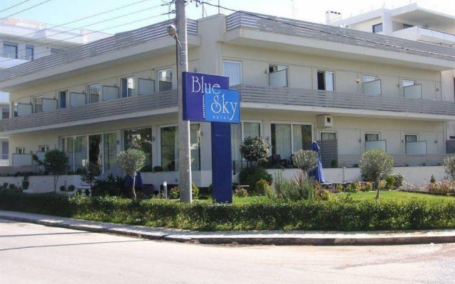 Отель Blue Sky вид на фасад
