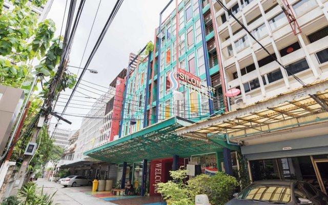 Saladaeng Gallery Hostel By Favstay Бангкок вид на фасад