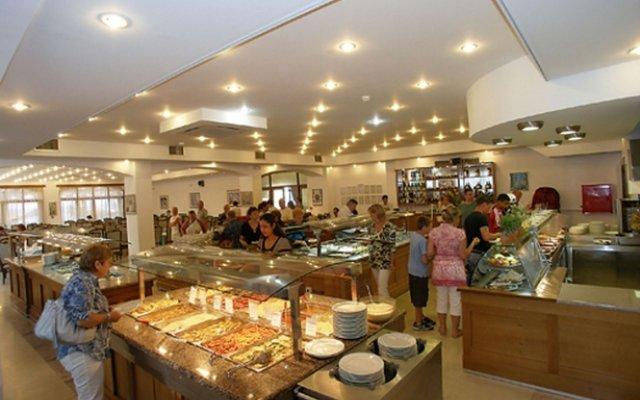 Отель Caravel Hotel Zante Греция, Закинф - отзывы, цены и фото номеров - забронировать отель Caravel Hotel Zante онлайн питание