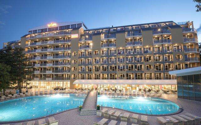 Отель HVD Viva Club Hotel - Все включено Болгария, Золотые пески - 1 отзыв об отеле, цены и фото номеров - забронировать отель HVD Viva Club Hotel - Все включено онлайн вид на фасад