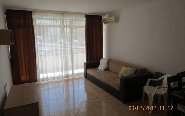 Апартаменты Etara Apartments Свети Влас комната для гостей