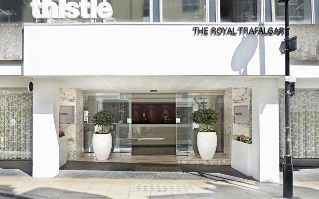 Thistle Trafalgar Square Hotel Лондон вид на фасад