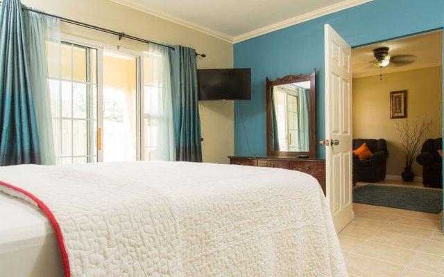 Отель Winchester 07A by Pro Homes Jamaica комната для гостей