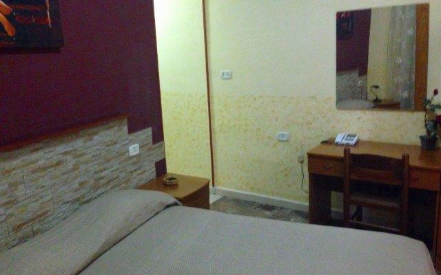 Hotel Poker комната для гостей