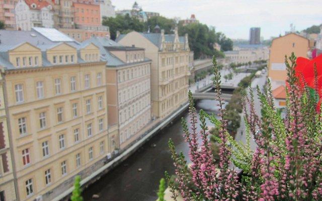 Отель Madonna Apartments Чехия, Карловы Вары - отзывы, цены и фото номеров - забронировать отель Madonna Apartments онлайн вид на фасад