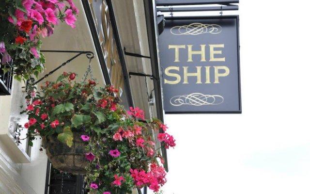 Отель The Ship Inn вид на фасад