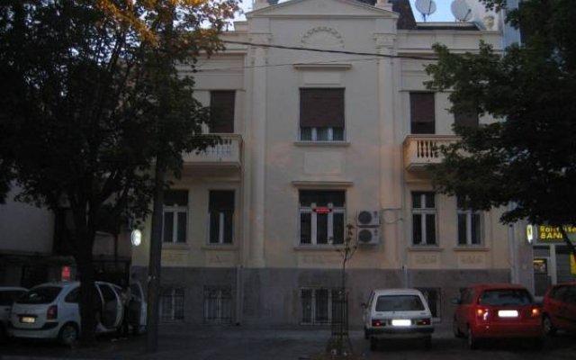 Отель Hostel Lucy Сербия, Белград - отзывы, цены и фото номеров - забронировать отель Hostel Lucy онлайн вид на фасад