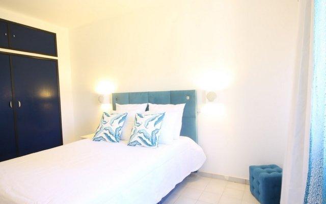 Отель 13 Quinta Nova Apartment Португалия, Портимао - отзывы, цены и фото номеров - забронировать отель 13 Quinta Nova Apartment онлайн комната для гостей