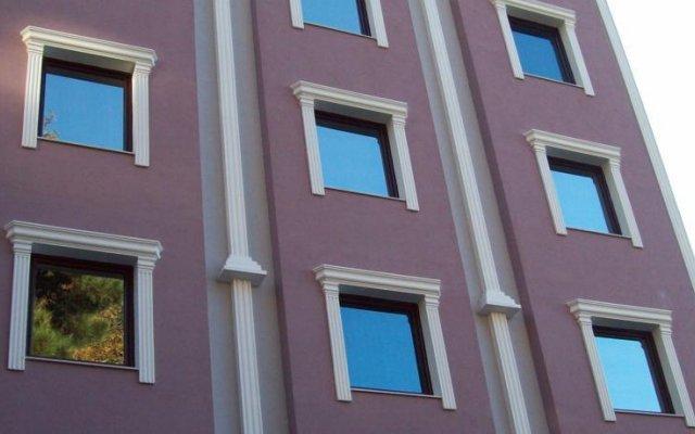 Lonca Hotel вид на фасад