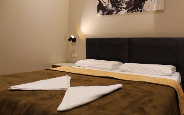 Hotel Artisti 1