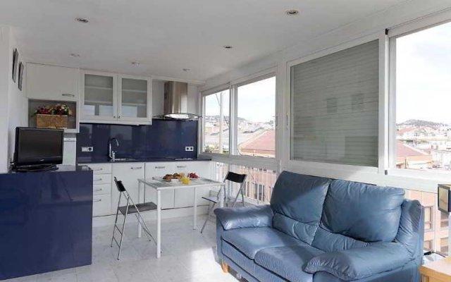 Апартаменты AinB Diagonal Francesc Macia Apartments комната для гостей