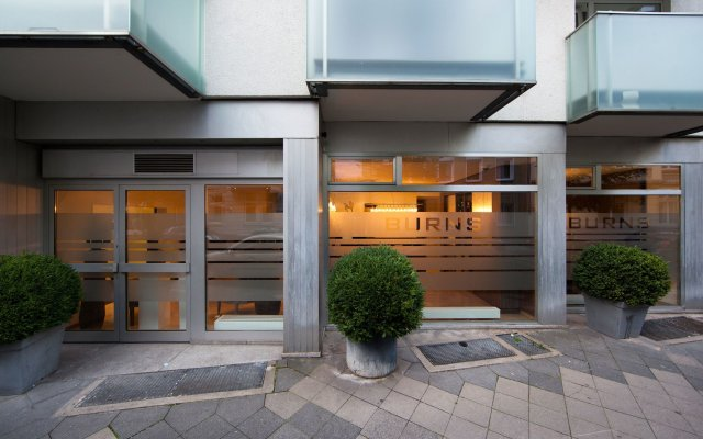 Отель BURNS Art & Culture вид на фасад