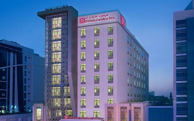 Отель Hilton Garden Inn Dubai Al Muraqabat Дубай вид на фасад