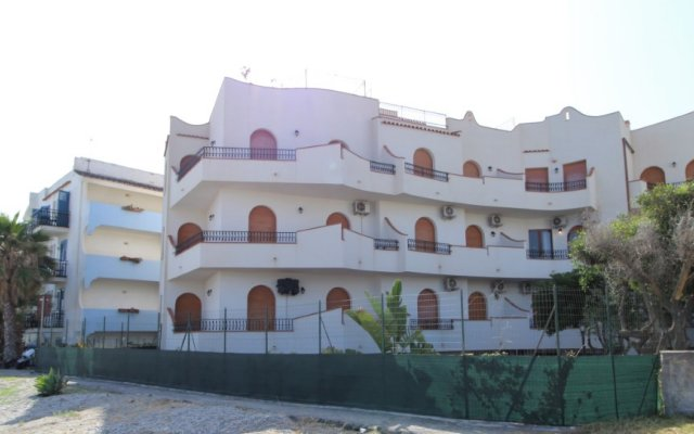Отель Residence Villa Liliana Италия, Джардини Наксос - отзывы, цены и фото номеров - забронировать отель Residence Villa Liliana онлайн вид на фасад
