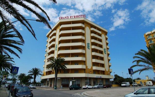 Отель Grand Eurhotel Италия, Монтезильвано - отзывы, цены и фото номеров - забронировать отель Grand Eurhotel онлайн вид на фасад