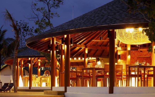 Отель Centara Ras Fushi Resort & Spa Maldives Мальдивы, Велиганду Хураа - отзывы, цены и фото номеров - забронировать отель Centara Ras Fushi Resort & Spa Maldives онлайн вид на фасад
